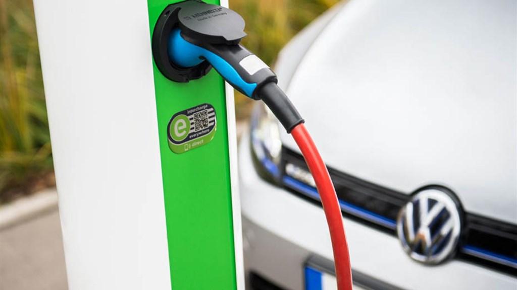 电动汽车的发展,可能会使劳动力市场出现严重问题!