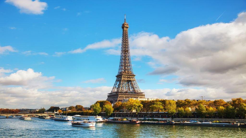與巴黎緩緩相遇,發現她的豐富底蘊和優雅
