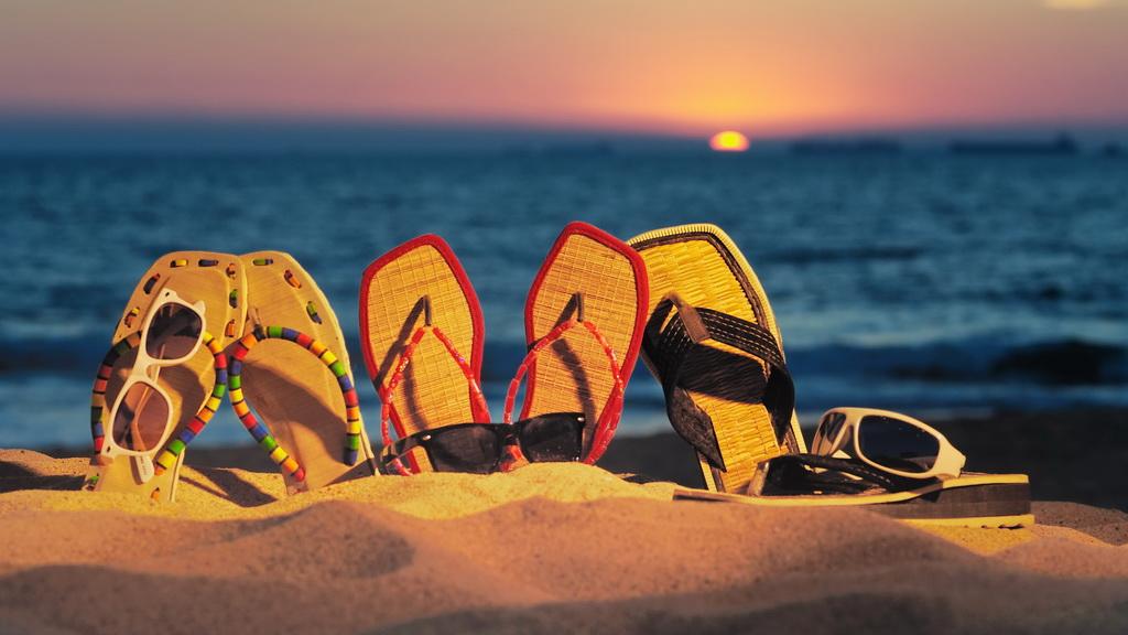 草底帆布鞋代表了夏天、沙滩和阳光,它有什么样的历史呢?