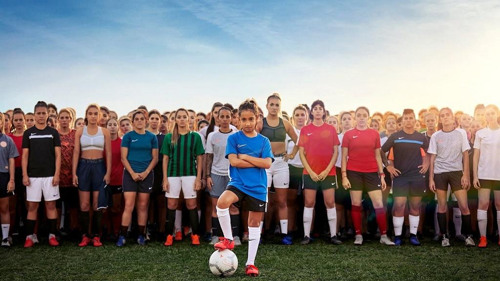 Nike励志广告:唯有勇敢前行,方知疯狂为何