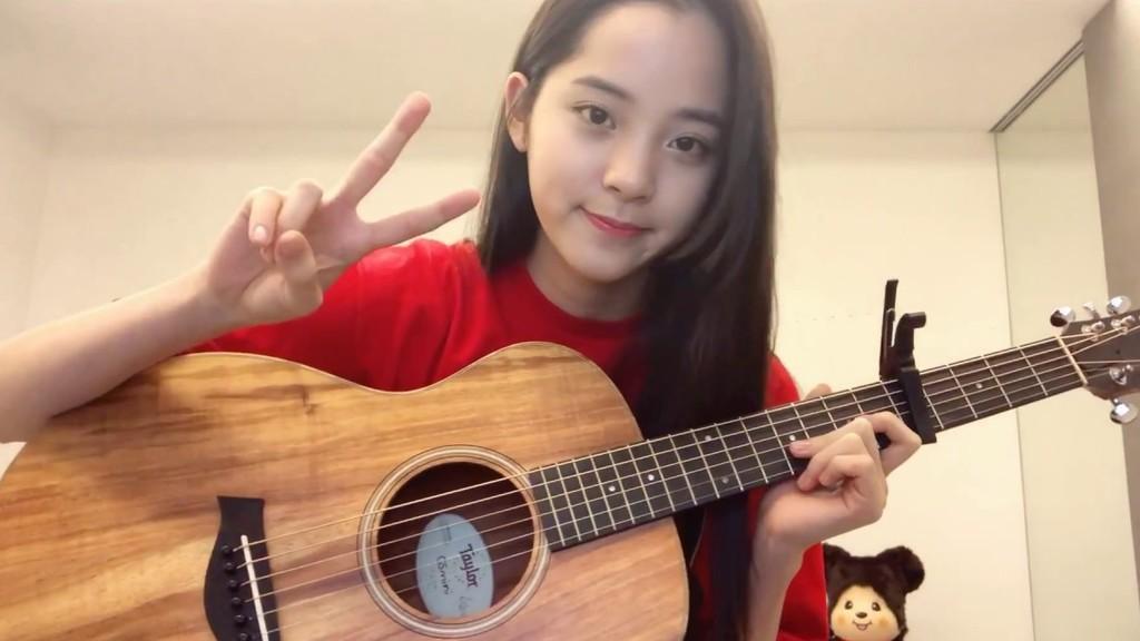 大提琴天才少女也玩起了吉他🎸