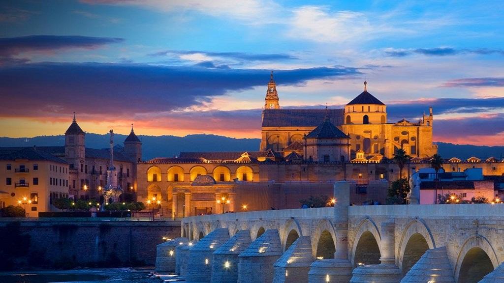 今天让我们一起走近西班牙美丽的南部小城—科尔多瓦